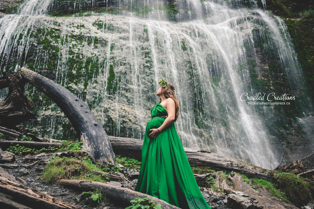 Beautiful Maternity at the Bridal falls