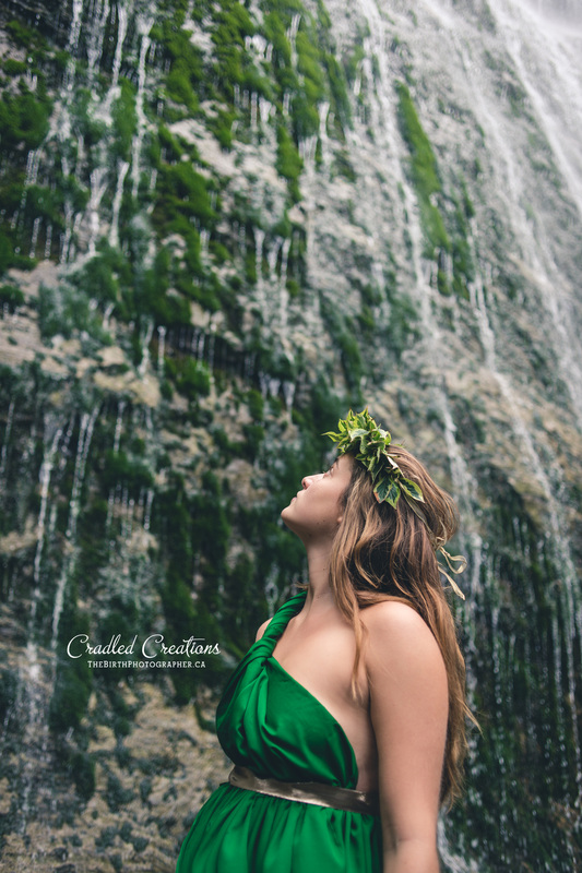 maternity photographer bridal falls