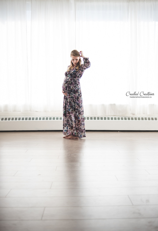 Maternity Pregnant Studio Photo